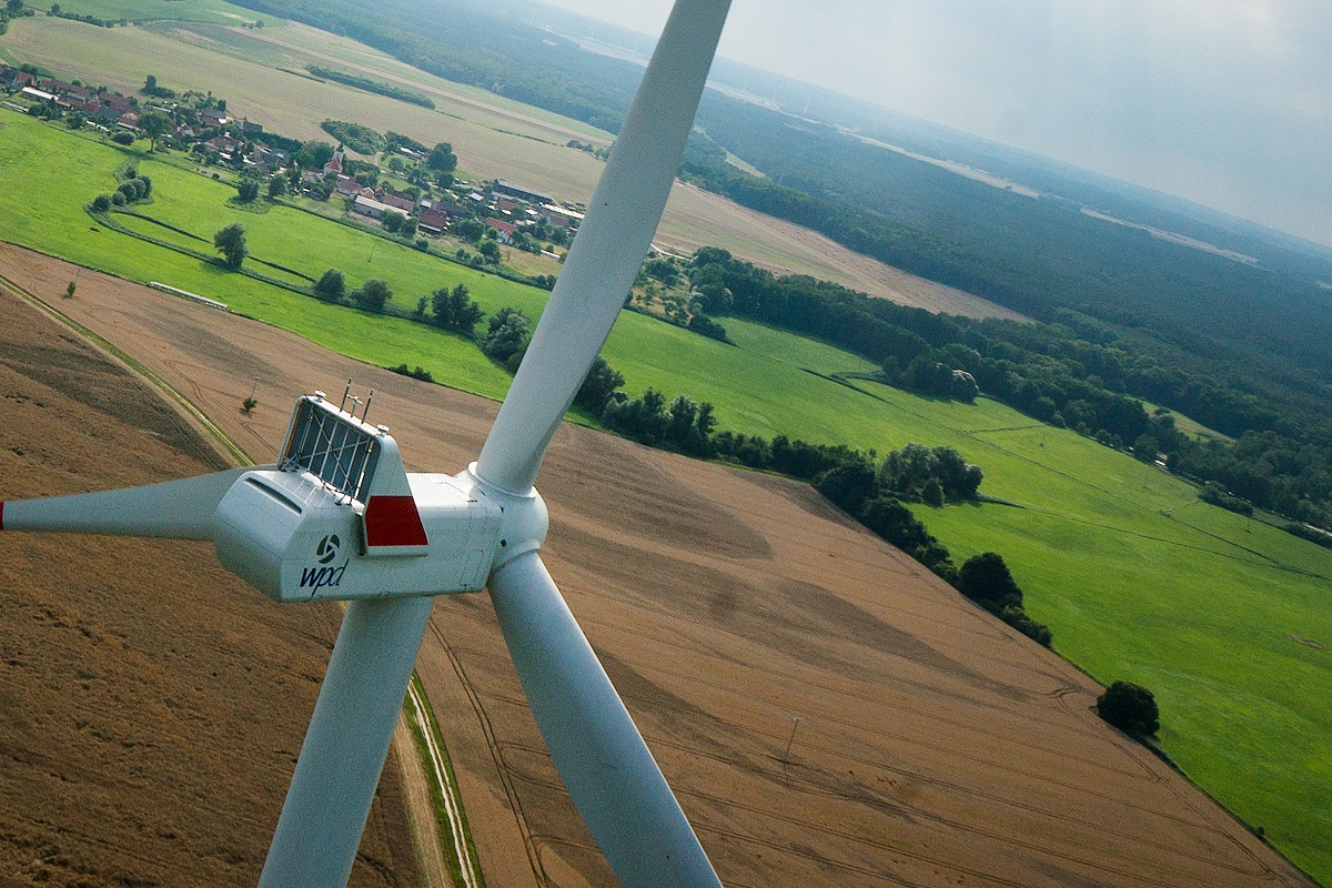 Reducing Operational Management Costs of Wind Farms